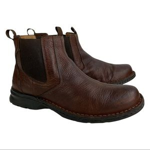 Clarks Brown Leather Upper Chelsea Boots Mens size 10.5 US Great Condition